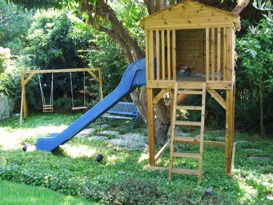 מתקני עץ לילדים
