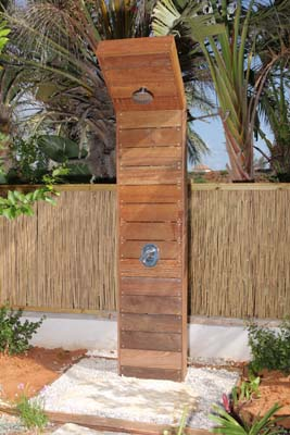 מקלחון מעץ איפא