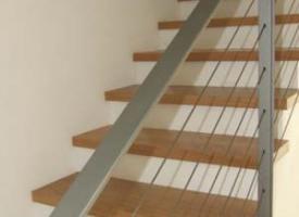 מדרגות עץ
